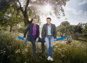 "Andreas Hieke (links) und Jens Kölker auf großer ""hessenschau""-Sommertour. Bild: hr/ Benjamin Knabe"
